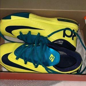 KD VI Sneakers